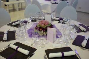 private-events-hochzeiten-geburtstage-Schieferplatten ausleihen für Tischdekoration